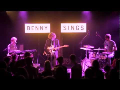 BENNY SINGS - *Little Things / Live