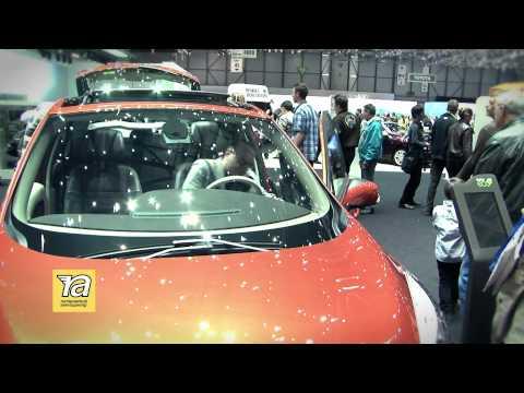 Renault Scenic 2012. Внимание к деталям