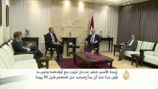 السماح لعائلة الأسير خضر عدنان بزيارته