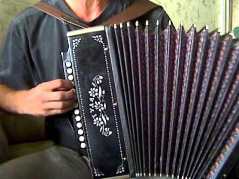 Уроки игры на гармони. Урок №4 - аккорды справа