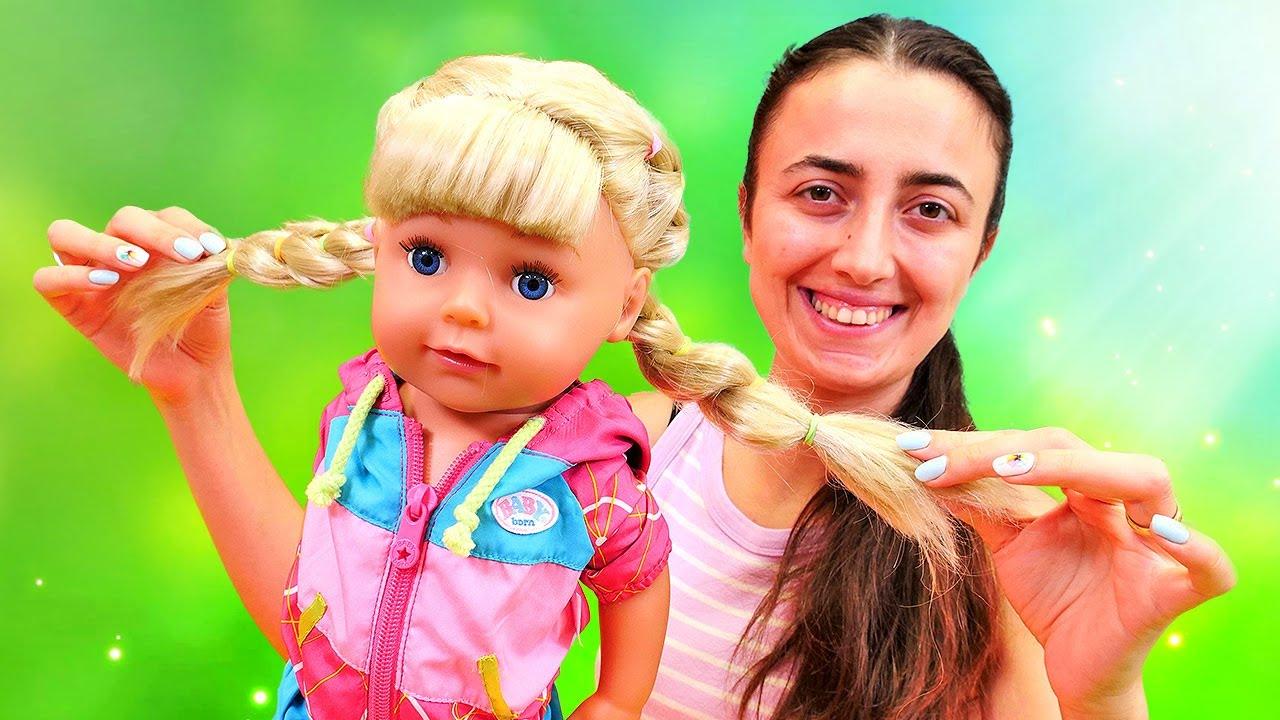 Bebek bakma videosu. Sevcan baby born Mira'nın saçını yapıyor