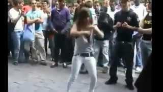 Repeat youtube video احلى رقص على مهرجان المكنة اوكا واورتيجا 2013 OKA 8%