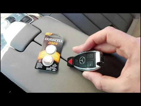 Как поменять батарейку на ключе мерседес