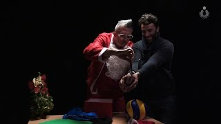 Lucchetta spacca un cellulare durante le riprese dello spot di Natale