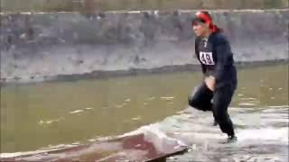 福知山城周辺に50人のくの一が参上!! 手裏剣や吹矢、水上走りなど、全5...
