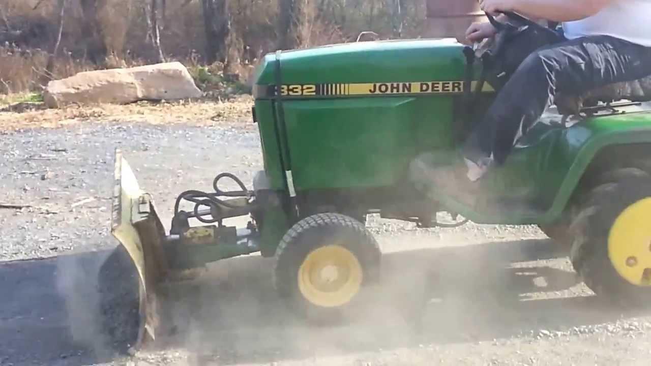 John Deere 332 >> John deere 332 diesel plowing stone - YouTube
