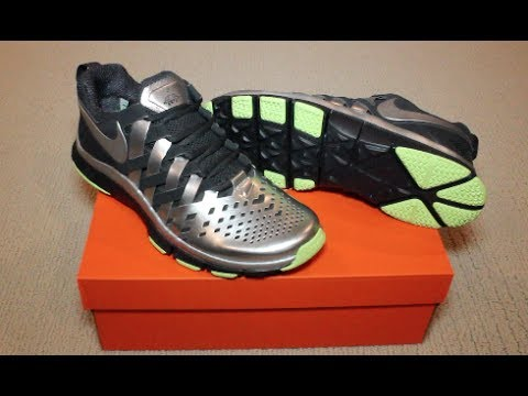 43a9675f503a Unboxing   Review of NIKE Free Trainer 5.0 (Super Bowl Edition ...