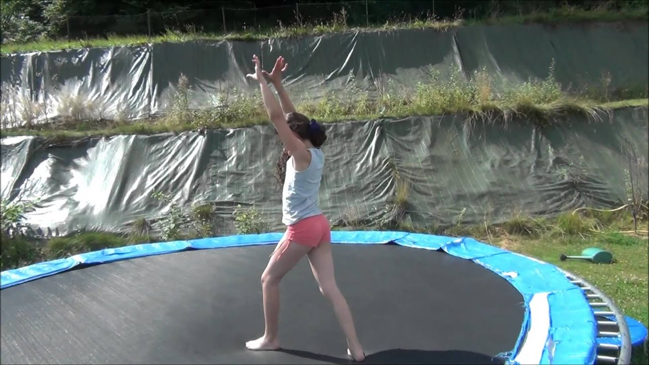 gym trampoline 2 c lia 9 ans youtube. Black Bedroom Furniture Sets. Home Design Ideas