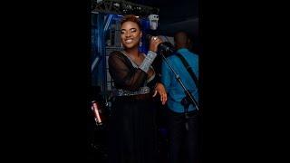 """Sabel Dieng chante """"Ndioukeul Sa Goor"""" devant ses fans à Marrakech"""