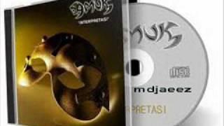 Gambar cover Amuk-Di Tahun 2000