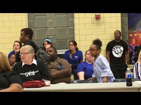 Superintendent vote spurs outburst in Harrisburg schools