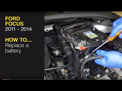 How to remove and replace the battery on a Ford Focus 2011 to 2014