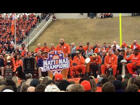 Ben Boulware delivers emotional speech at Clemson's title celebration