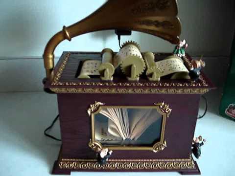 Mr Christmas Holiday Music Box - YouTube