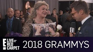 Kelly Clarkson Reacts to Her Initial Meryl Streep Reaction  E! Red Carpet &amp Award Shows