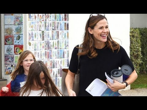 Jennifer Garner Looking Refreshed After Partying With Gwyneth Paltrow And Jessica Biel