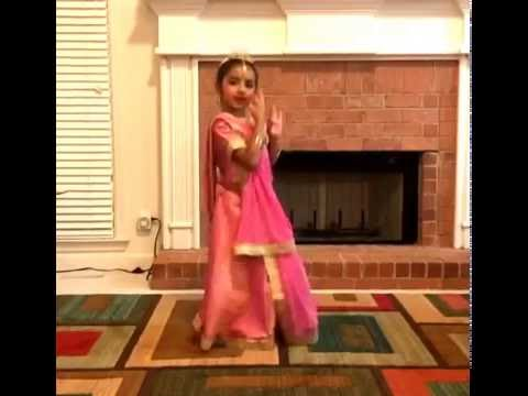 Radha na bole  - Kathak - Performed by Alisha, 6 yrs old