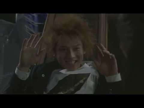 BATTLE ROYALE : Kazuo Kiriyama kills Mitsuko Souma