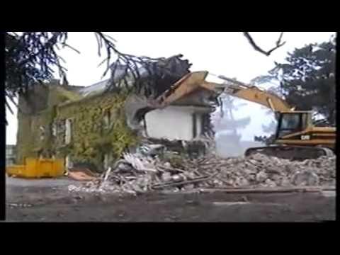 centre de kerpape destruction de la maison de lierres en 2002 youtube. Black Bedroom Furniture Sets. Home Design Ideas