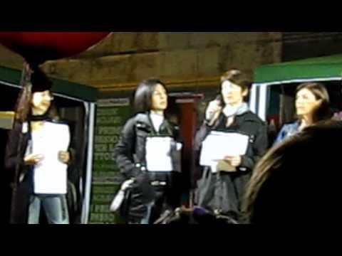 spettacolo-della-manifestazione-contro-l'omofobia-2011-a-cagliari.-(1)