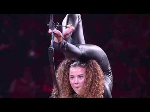Sofie Dossi (Live @ the Toyota Center in Houston) (16-04-2017)
