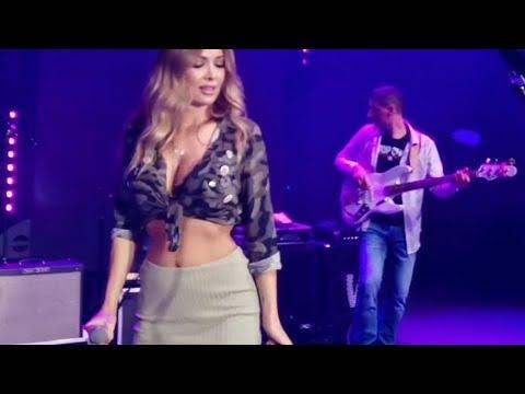 Download Lidija Bacic Lille LIVE on stage (Radi radi radi)