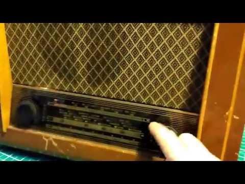 Vintage Cambridge Pye Radio P75