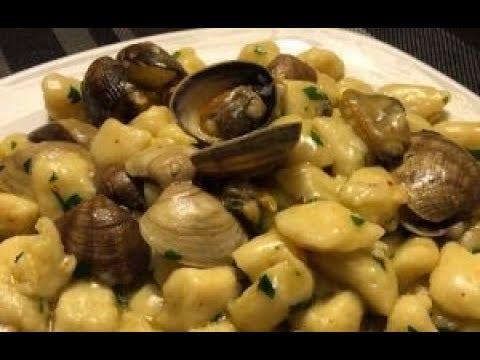 Ricetta Gnocchi Funghi E Vongole.Gnocchi Vongole E Funghi Porcini Youtube