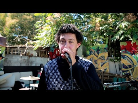 Hobo Johnson & The Lovemakers - Happiness (Live from Derek's Backyard) Mp3