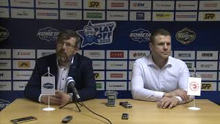 Trenéři Kamil Pokorný a Václav Varaďa po 3. finále Kometa - Třinec 3:2 (18. 4. 2018)