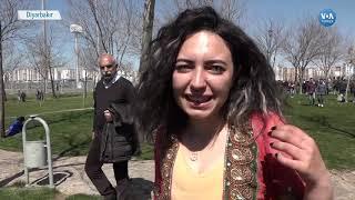 Diyarbakır'da Onbinler Nevruzu Kutladı