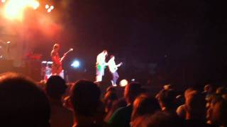 Weezer - Island In The Sun - Champlain Valley Fair - Essex Junction, VT 9/2/10