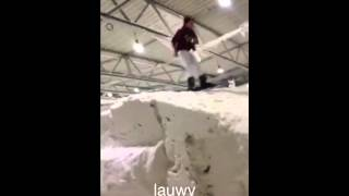 Lauwy jumps