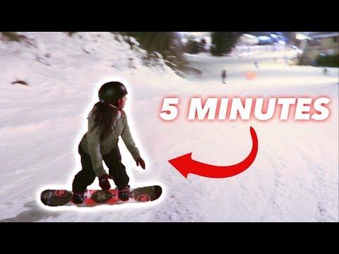 TEACHING MY GIRLFRIEND HOW TO SNOWBOARD!