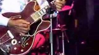 Chuck Berry - Johnny B Goode thumbnail