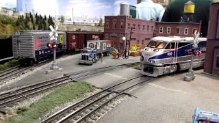MTH Amtrak F59PHI #450 Video Mash Up