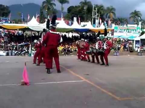 amaliyah sunggal marching band batle parapat 2011