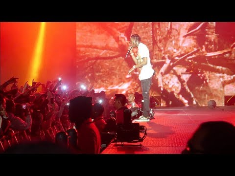 TRAVIS SCOTT CONCERT SO CRAZY KIDS JUMP OFF THE STAGE! ( FULL CONCERT)