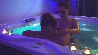 HOT WOMEN MASSAGE IN JACUZZI | SCRATCHING, TRACING, SCALP AND NECK TOUCHING | WITH WATER SOUND