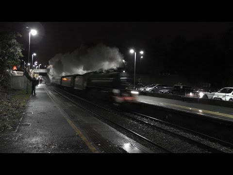 61306 Mayflower storms through Keynsham with The Cathedrals Express 29/11/2015