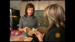 Curious about dehydrated raw dog food? CBS reviews the Honest Kitchen pet food.