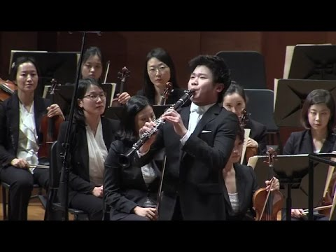 Han Kim plays Shalom Aleichem, Rov Feidman for Clarinet and Orchestra by Bela Kovacs