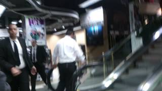 13.Америка. Огромный магазин фото и видео техники B&H В Нью-Йорке, США(Покупали экшн камеру в этом магазине, охранник появился из под земли и не дал снимать. Магазин просто огроме..., 2014-02-06T04:35:45.000Z)