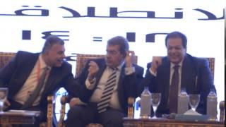 ابو العينين يتبادل الحديث مع وزير المالية و رئيس اللجنة الاقتصادية بالنواب .. فيديو وصور