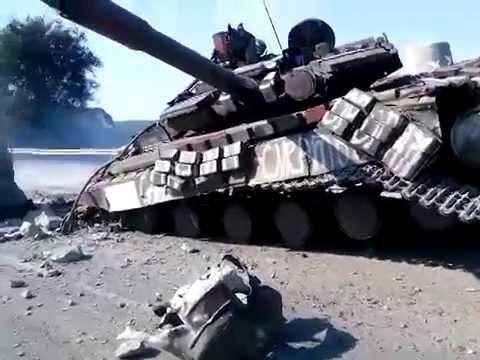 Украинский танк с надписью «На Москву» разбился о столб «Нет войне»