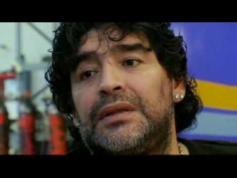 Manu Chao le canta a Maradona. by kusturica