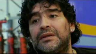 Manu Chao le canta a Maradona. (by kusturica)