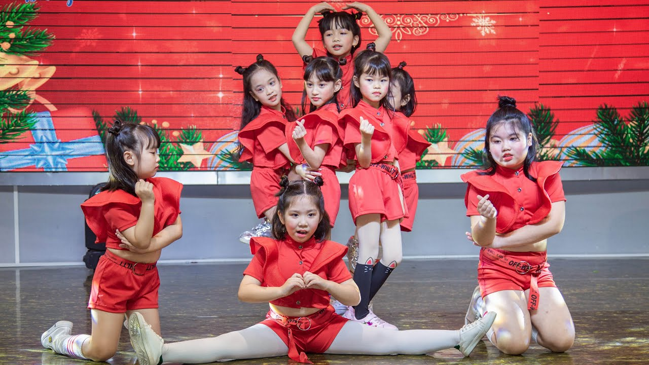 Mashup dance Và Tôi Hát _ Forever Young – Clb Hí Hoáy | Noel Món Quà Mùa Đông