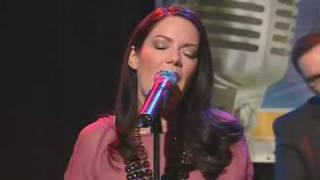 Emilie-Claire Barlow / All I Do Is Dream Of You / Canada AM