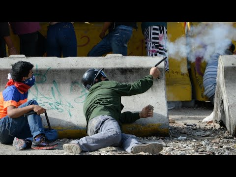 Venezuela: Controversial vote sparks deadly street protests